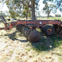 IH offset disc plough